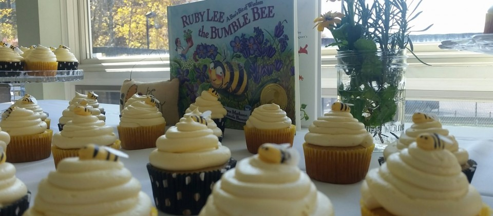 Honey Vanilla Cupcakes with Buttercream Icing and Marzipan Bees by Event Cakes PGH